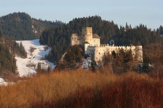 zamek dunajec w nidzicy zima